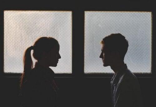 Voltar com um ex causa mais problemas do que vantagens?