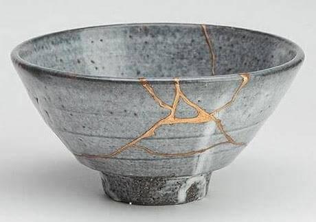 Cerâmica reparada com ouro