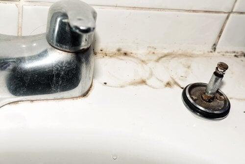 5 dicas para limpar as torneiras de casa