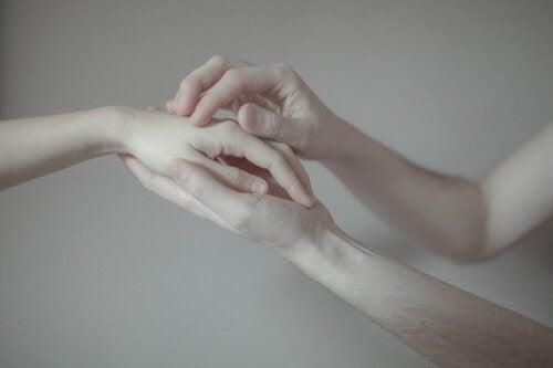 ajudar-pessoas-machucadas