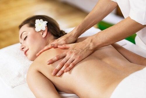 massagem-aliviar-coluna