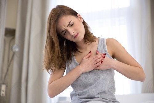 A ansiedade poe causar dor no peito