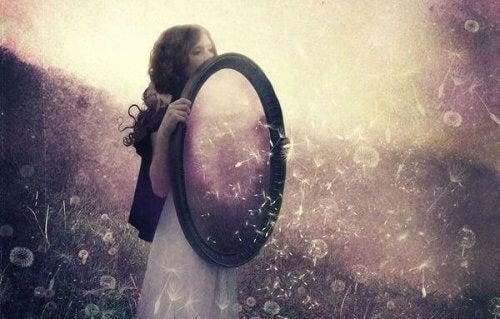 O que é a lei do espelho.Tudo que você deveria saber