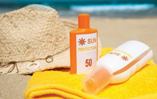Proteger a pele com protetor solar