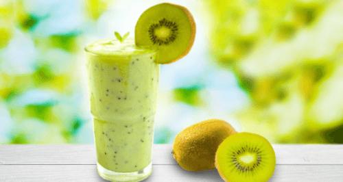 Suco natural de kiwi para frear o envelhecimento