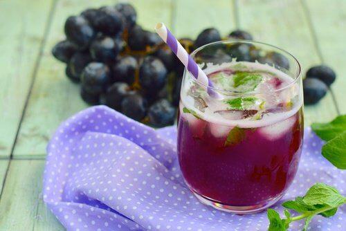 Sucos naturais para frear o envelhecimento