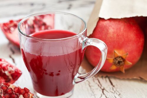 7 incríveis benefícios do suco de romã
