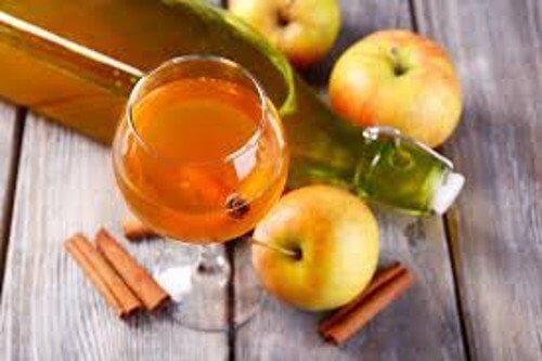 8 benefícios de consumir uma colher de sopa de vinagre de maçã por dia