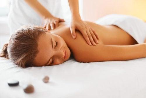 Massagem para aliviar dor muscular