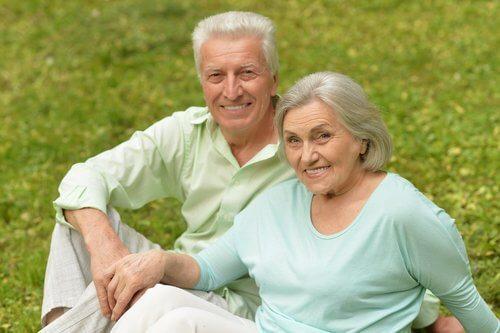 Casal que envelheceu com o tempo