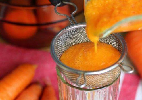 Xarope de cenoura e mel para expelir catarro