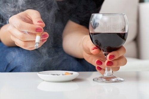 alcool-e-cigarro