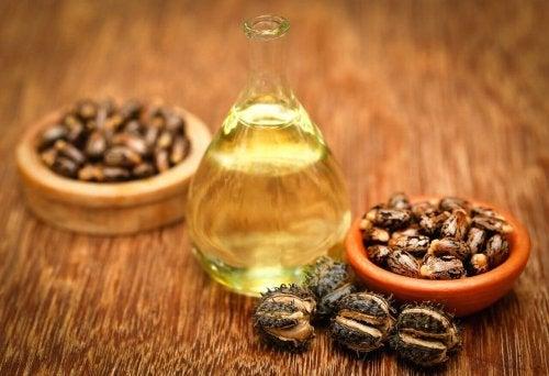 Óleo de rícino e mel ajudam a combater o afinamento do cabelo