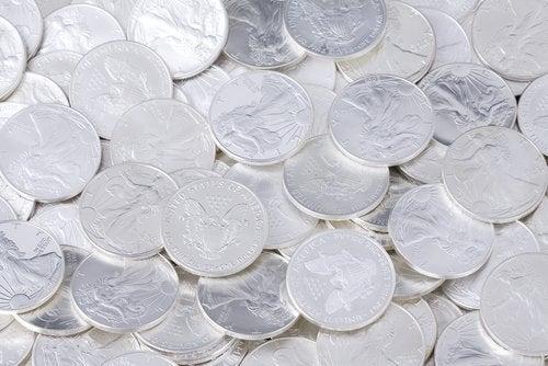 Moedas de prata coloidal