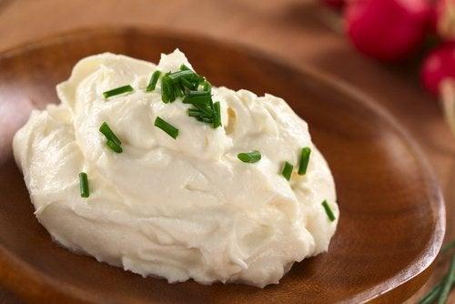 Os queijos cremosos não devem ser consumidos após a data de validade