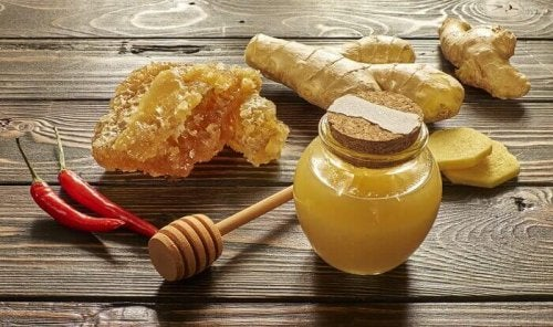 Expectorante com mel e pimenta caiena