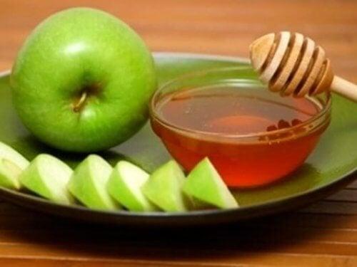 Expectorante de maçã, mel e limão