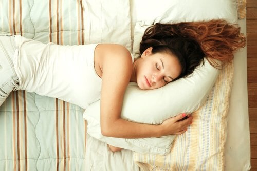 Dormir bem pode ajudar a fortalecer seu sistema imunológico