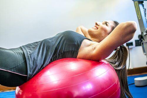 Exercicio lombar com bolas