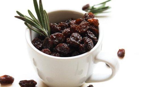 6 razões para comer uva-passa pela manhã