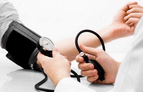 Água de coco para controlar a pressão arterial