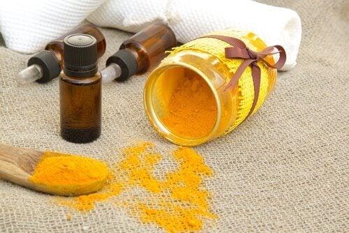 Batida de laranja açafrão para frear a artrite