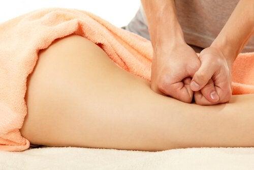 Massagens em pernas com lipedema