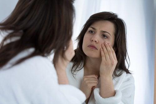 7 razões que explicam porque temos tiques oculares