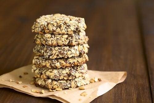 Biscoitos de coco, aveia e sementes