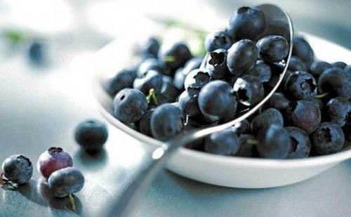 O mirtilo é um dos alimentos com propriedades anti-inflamatórias
