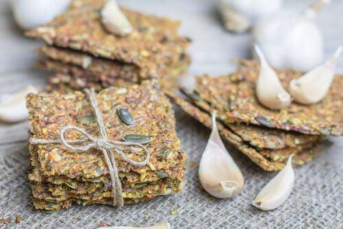 Biscoitos de sementes sem glúten e sem lactose