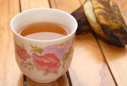 Chá de banana contra retenção de líquidos