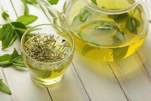 Chá verde contra a celulite