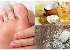 Como preparar um esfoliante de azeite de coco e sal para remover os calos dos pés