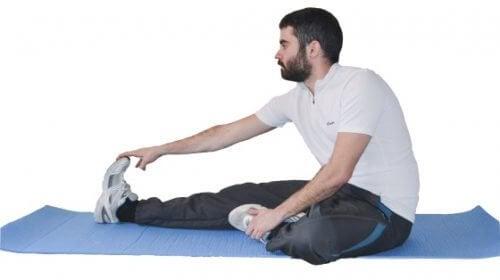 Homem fazendo exercício para ficar em forma