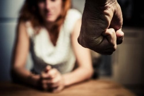 Mulher maltratada pelo parceiro