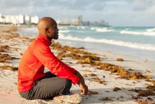 Homem praticando mindfulness