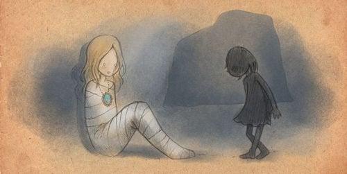 Menina amarrada e em silêncio