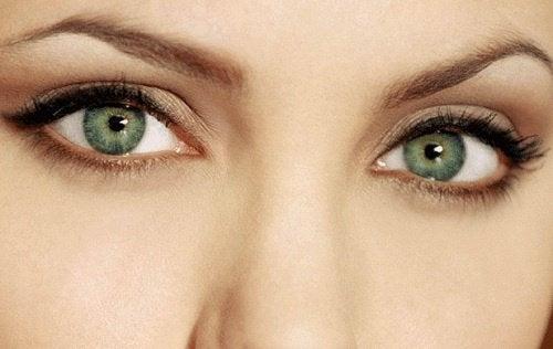 Olhos atrativos