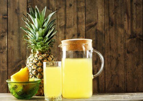 Bebida fermentada de abacaxi