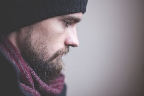 Homem com depressão atípica