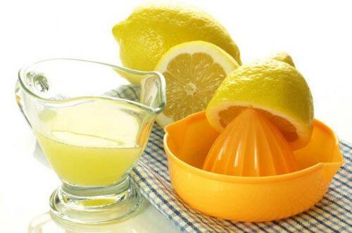 Água oxigenada e limão