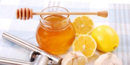 Mel e limão para clarear a pele
