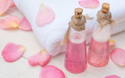 Água de rosas contra as infecções oculares