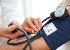 Alguns remédios caseiros para diminuir a pressão alta