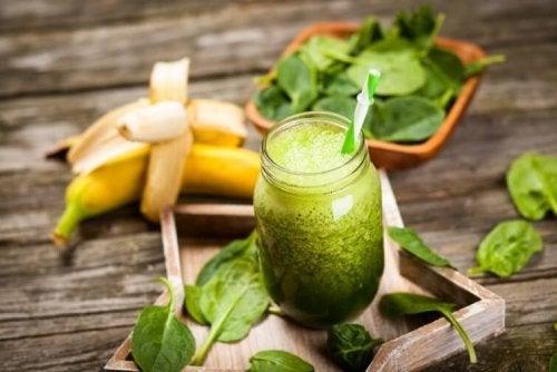 Suco verde de acelga e banana