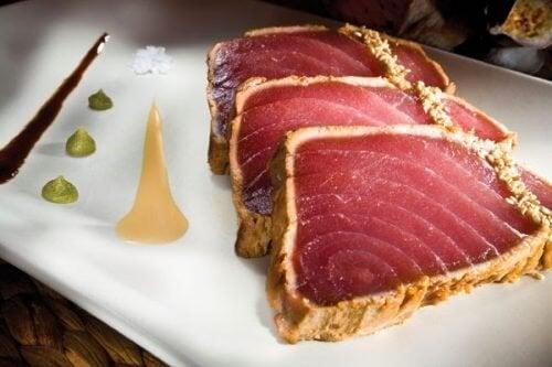 O atum é um dos tipos de peixe que devem ser evitados