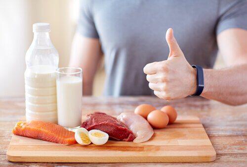 7 sinais de que você não está ingerindo proteína o suficiente