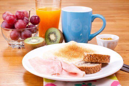 Os melhores cafés da manhã para ter muita energia