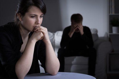 Quais são os sinais de insatisfação em um relacionamento?